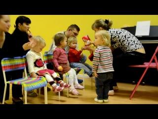 Занятие для самых маленьких в Крошке ру ( музыка и творчество с 1 года до 2 )